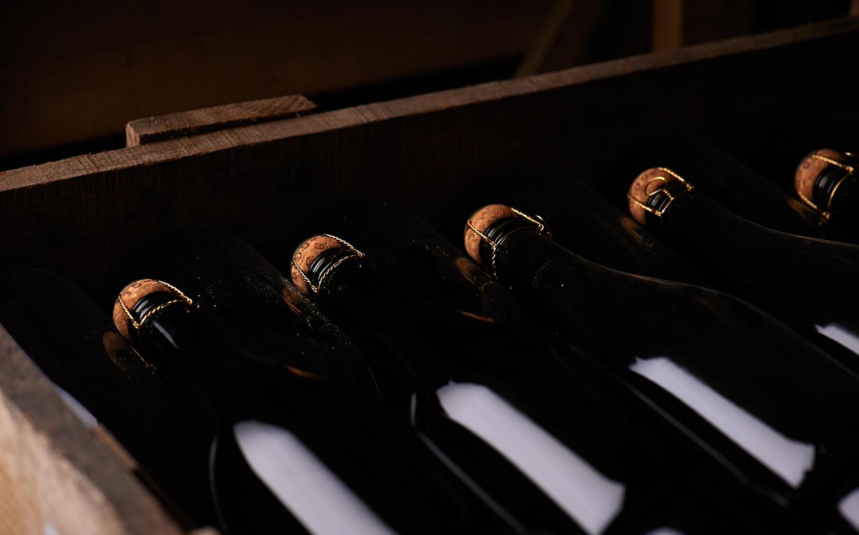 cave champagne vignoble bouteille